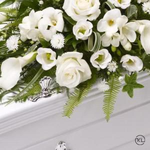 Childrens-Casket-Spray-White-3-Funeral-Flowers-London-300x300