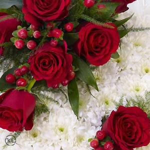 Classic-Red-and-White-Posy-3-Funeral-Flowers-London-300x300