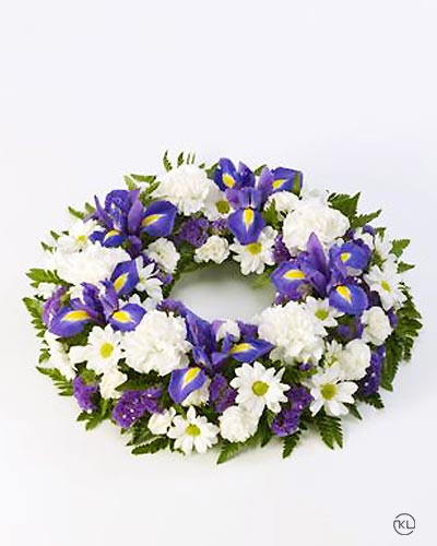 Classic-Selection-Wreath-Blue-and-White-1-Funeral-Flowers-London