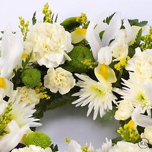 Classic-Selection-Wreath-Yellow-and-Cream-3-Funeral-Flowers-London-300x300