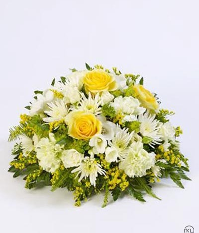 Classic-Yellow-and-White-Posy-1-Funeral-Flowers-London