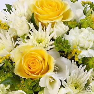 Classic-Yellow-and-White-Posy-3-Funeral-Flowers-London-300x300