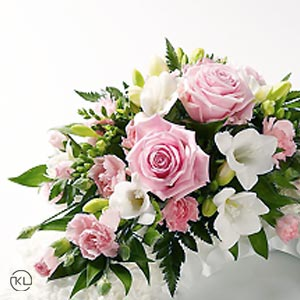 Classic-Pink-Rose-and-Chrysanthemum-Wreath300x300_1