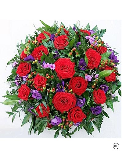 Red-Rose-and-Violets-Posy