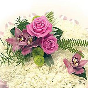 White-and-Cold-Pink-Posy300x300